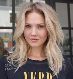 20 Medium Blonde Hairstyles For Women - Cool Global Hair Styles 2019 - 20 Mediu. 20 Medium Blonde Hairstyles For Women - Cool Global Hair Styles 2019 - 20 Medium Blonde Hairstyles For Women, Medium length hairstyles actually have always been a favori - Mid Length Blonde Hair, Brown Blonde Hair, Shoulder Length Hair Blonde, Messy Blonde Hair, Sandy Blonde Hair, Blonde Hair Over 40, Blonde Hair Styles Medium Length, Blunt Mid Length Hair, Blonde Hair For Cool Skin Tones