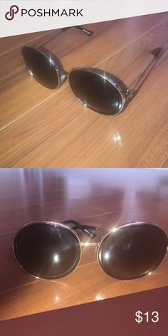 Vintage sunglasses. OFFERS ACCEPTED Round framed sunglasses with gold accents Accessories Sunglasses