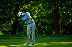 Chesson Hadley takes his second shot on the 15th fairway during the first round of the John Deere Classic held at TPC Deere Run on July 9, 2015 in Silvis, Illinois. (juil. 8, 2015 - Source: Michael Cohen/Getty Images North America)