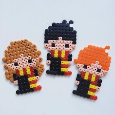 harry potter hama beads Harry, Hermine, R - beading Perler Bead Designs, Hama Beads Design, Diy Perler Beads, Perler Bead Art, Pearler Beads, Melty Bead Patterns, Pearler Bead Patterns, Perler Patterns, Beading Patterns