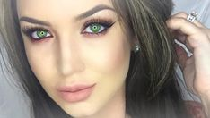 Eye Make-up - Makeup that makes green eyes pop; Eyeshadow tutorials/looks for girls with light eye color; How to do eye makeup if you have green eyeballs; Natural Green Eyes, Green Eyes Pop, Hazel Green Eyes, Brown Hair Green Eyes, Hazel Eyes, Brown Hair Colors, Green Hair, Black Hair, Wedding Makeup For Brown Eyes