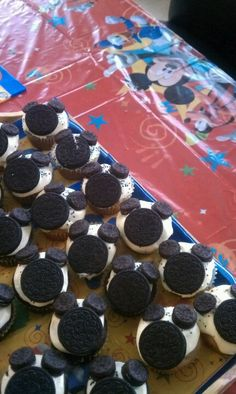 Mickey Mouse cup cakes :)