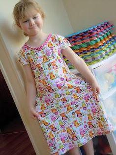 DIY Clothes Refashion: DIY Easy Stretch Dress