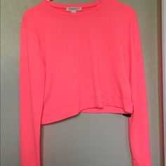 Forever21 Small Neon Pink Crop Top This is a Forever21 Neon Pink Crop Top. It's a size small and is new with the tags. If you have any questions, please just leave me a comment. I look forward to (hopefully) be doing business with you!  No trades!  Forever 21 Tops Crop Tops