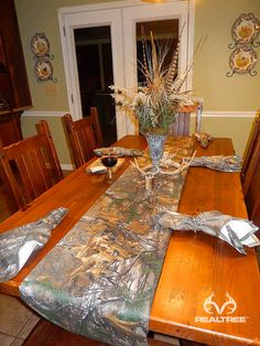 Realtree Xtra Camo Dinning Table Decoration - Harvest Season  #Realtreecamo #camodecor