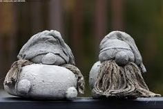 Image result for betoni askartelu Concrete, Cement, Garden Sculpture, Outdoor Decor, Image, Ideas, Awesome, Gnomes, Crafting