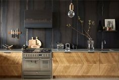 Wonderful Kitchen Design Trends 2018 / 2019 – Colors, Materials & Ideas – InteriorZine The post Kitchen Design Trends 2018 / 2019 – Colors, Materials & Ideas – InteriorZi… appeared first on Home Decor . Top Kitchen Trends, Kitchen Remodel, Kitchen Design, Kitchen Flooring, New Kitchen Designs, Kitchen Tops, Kitchen Trends, Kitchen Interior, Timeless Kitchen