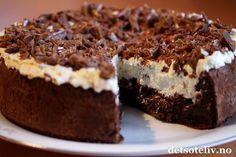 Confectionery Cake with Daim Pudding Desserts, No Bake Desserts, Quick Cake, Norwegian Food, Strawberry Cake Recipes, Scandinavian Food, Let Them Eat Cake, Yummy Cakes, No Bake Cake
