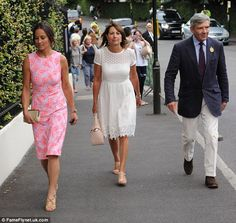 Family outing; Pippa Middleton, Carole Middleton, Michael Middleton pictured leaving Wimbledon this year Kate Middleton Family, Carole Middleton, Duchess Kate, Duke And Duchess, Duchess Of Cambridge, Pippa And James, Family Outing, Princess Kate, Crochet Lamp