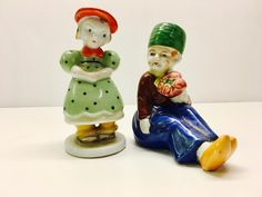 Vintage Porcelain Figurines - Girl and Boy With Flowers - Made in Occupied Japan by vintagetoolbox on Etsy