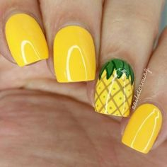 If you're looking to do seasonal nail art, spring is a great time to do so. The springtime is all about color, which means bright colors and pastels are becoming popular again for nail art. These types of colors allow you to create gorgeous nail art. Pineapple Nails, Watermelon Nails, Pineapple Jewelry, Pineapple Yellow, Pineapple Fruit, Pineapple Design, Nails Yellow, Yellow Nails Design, White Nails