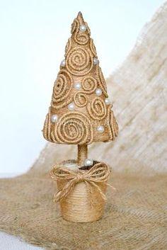 новогодняя елочка из шпагата с бусинами