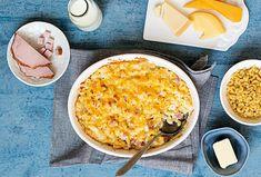 Makarony zapečené s uzeným masem a omáčkou z několika druhů sýrů, zachutnají nejen dospělým, ale i dětem. A navíc do nich zužitkujte všechny zbytky sýrů, které vám v lednici osychají. #recept #makarony #testoviny #syr #zapecenetestoviny #recipe #cheese #macandcheese #pasta Macaroni And Cheese, Ethnic Recipes, Food, Mac And Cheese, Essen, Meals, Yemek, Eten