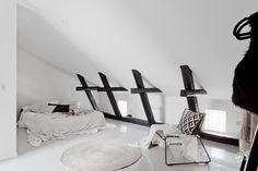 Bo LKV Scandinavian Home, Wishbone Chair, Future House, Desk, Interior Design, Bedrooms, Furniture, Bedroom Inspiration, Houses