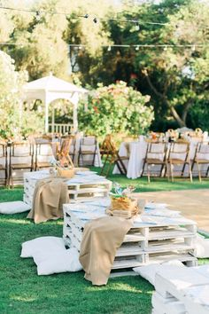 DIY Outdoors Wedding Ideas - Wood Pallet Seating - Step by Step Tutorials and Projects Ideas for Summer Brides - Lighting, Mason Jar Centerpieces, Table Decor, Party Favors, Guestbook Ideas, Signs, Flowers, Banners, Tablecloth and Runners, Napkins, Seating and Lights - Cheap and Ideas DIY Decor for Weddings http://diyjoy.com/diy-outdoor-wedding