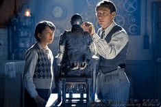 Asa Butterfield & Jude Law in Hugo, check him out Abbie! Lol he plays a quirky clockmaker Hugo Movie, I Movie, Game Movie, Books Turned Into Movies, Sandy Powell, Hugo Cabret, The Other Boleyn Girl, Asa Butterfield, Jude Law