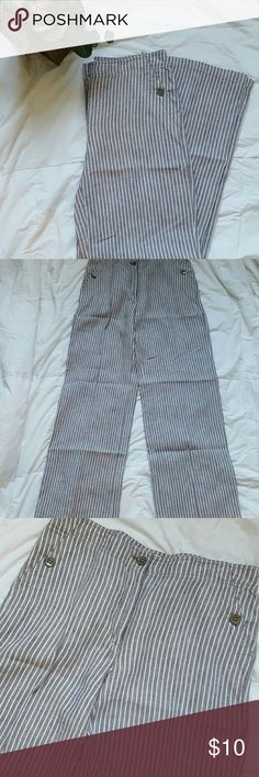 Chico's Gray and White Stripe Linen Pants Gray and white striped Chico 100%Linen Pants. Size 0.5. Size is equivalent to a small or size 6 according to Chico's website. Never Worn. I did notice some small looking picks on back legs as shown in picture 4. Chico's Pants