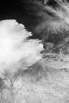 Amazing Photos of Crashing Ocean Waves – Fubiz Media