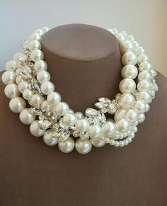 Check out this item in my Etsy shop https://www.etsy.com/ca/listing/500484096/chunky-multistrand-ivory-pearl