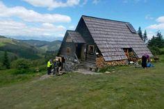 hrebenovka-03 Home Fashion, Cabin, House Styles, Home Decor, Homemade Home Decor, Cabins, Cottage, Decoration Home, Cubicle