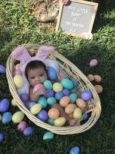 45 Ideas For Baby Photography Boy Guys Baby Boy Pictures, Easter Pictures, Spring Pictures, Family Pictures, One Month Old Baby, Baby Month By Month, Monthly Baby Photos, Monthly Pictures, Ostern Wallpaper