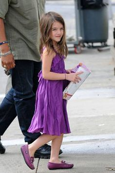 Suri Cruise is lovely in lilac Venettini loafers
