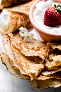 Learn how to make thin and delicious restuarant-quality crepes at home with only 8 basic ingredients. Mexican Breakfast Recipes, Breakfast Dishes, Brunch Dishes, Breakfast Pizza, Breakfast Ideas, Crepe Recipes, Waffle Recipes, Pancake Recipes, Cheap Meals