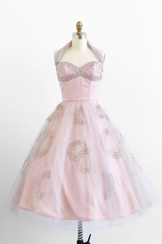 vintage dress / dress / Sequins and Tulle Fairy Tale Ballerina Cupcake Dress -Patty Simcox at the dance Vintage Prom, Vintage 1950s Dresses, Mode Vintage, Retro Dress, Vintage Vogue, Vintage Clothing, Vintage Ideas, Vintage Style, 1950s Style