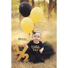Wooden Half sign photo prop for your baby's 6 month photos! Document your child's growth with these fun age number sign photo props! Take half birthday photos, first birthday photos, second birthd Second Birthday Photos, Half Birthday Baby, Birthday Pictures, 6 Month Pictures, 6 Month Baby Picture Ideas, Newborn Pictures, Baby Pictures, Foto Baby, Baby Poses