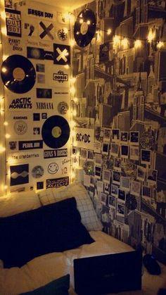 Teen Room Decor Grunge - Decoration Home Decoration Tumblr, Decoration Bedroom, Diy Room Decor Tumblr, Dorm Walls, Dorm Room, College Walls, Dream Rooms, Dream Bedroom, Men Bedroom