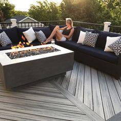 Building A Deck 400398223119976611 - Rectangle Fire Table Source by adelinecalosci Backyard Patio Designs, Backyard Landscaping, Landscaping Ideas, Backyard Ideas, Modern Backyard Design, Pergola Ideas, Outdoor Spaces, Outdoor Living, Outdoor Fire Table