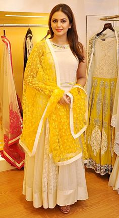 Huma Qureshi at Varun Bahl's couture collection showcase.