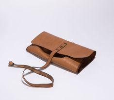 Nachhaltige Accessoires aus Schweizer Hirschleder | Cervo Volante Card Case, Wallet, Fashion, Swiss Guard, Sustainability, Products, Bags, Leather, Moda