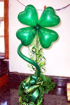 Super St Patrick's Day centerpiece from American Balloon Decor in Orlando, FL.