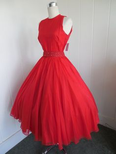 Vintage Red Chiffon Cocktail Dress with Statement Belt 50s Dresses, Pretty Dresses, Vintage Dresses, Vintage Outfits, Vintage Clothing, Casual Dresses, Red Fashion, 1950s Fashion, Vintage Fashion