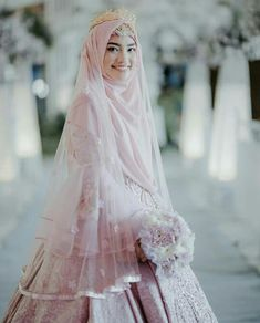 New Bridal Hijab Styles Veils Wedding Dresses 39 Ideas Hijabi Wedding, Muslimah Wedding Dress, Popular Wedding Dresses, Muslim Wedding Dresses, Wedding Dress With Veil, Hijab Bride, Muslim Brides, Top Wedding Dresses, Bridal Dresses
