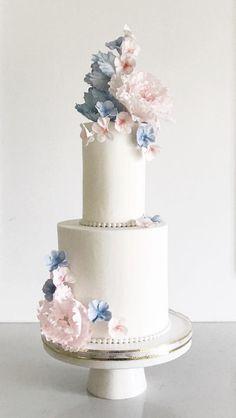 Featured Cake:Jenna Rae Cakes;www.jennaraecakes.com; Wedding cake idea.
