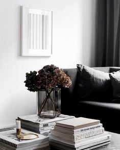 The Demise of Black Furniture Living Room Contemporary Home Decor, Modern Interior Design, Monochrome Interior, Cheap Home Decor, Diy Home Decor, Pretty Things, Black Furniture, Furniture Dolly, Rustic Furniture