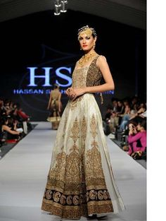 I am so going to buy this! Catwalk Collection, Bridal Mehndi, Pakistani Designers, Pakistani Dresses, Contemporary Fashion, Indian Wear, Asian Fashion, Formal Dresses, Party Dresses