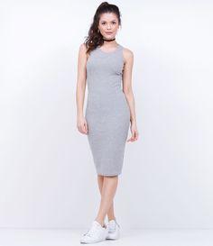 Vestido feminino  Modelo midi  Sem mangas  Gola redonda  Liso  Marca: Blue Steel  Tecido: poliéster  Modelo veste tamanho: P    Medidas da Modelo:    Altura: 1,73  Busto: 85  Cintura: 60  Quadril: 90         COLEÇÃO VERÃO 2017     Veja outras opções de    vestidos femininos   .