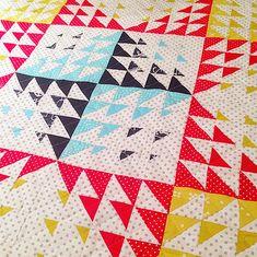 Star block quilt made from hst- betteroffquilts #modern #quilts
