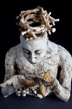 Amanda Shelsher, Australian sculptural ceramic artist #womensart