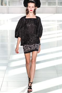 Antonio Berardi Spring 2014 RTW - Review - Fashion Week - Runway, Fashion Shows and Collections - Vogue