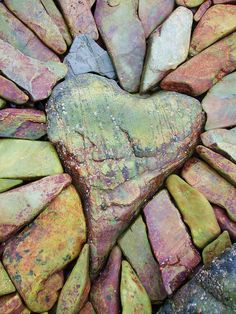 heart of stone.I wish my heart was a rock solid,no way to break it I Love Heart, Key To My Heart, Happy Heart, Your Heart, Heart In Nature, Heart Art, Caillou Roche, Aide Financiere, Heart Shaped Rocks