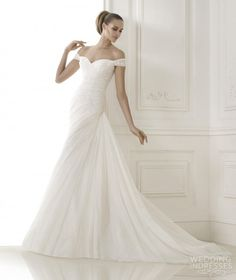 Pronovias Wedding Dresses 2015 Pre-collection... the sleeves!