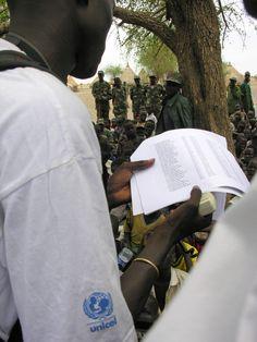 24 jan 2013: Alla barnsoldater befrias i Södra Sudan  Efter tålmodiga påtryckningar från FN och UNICEF med flera, har nu South Sudan People's Liberation Army (SPLA) skrivit under ett avtal i vilket de lovar att släppa alla de 1 500 barn som finns i trupperna.