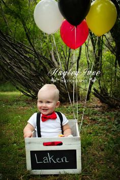 Calgary first birthday photo shoot, Mickey Mouse Cake Smash, Mickey Mouse Birthday party theme, one year old boy picture ideas