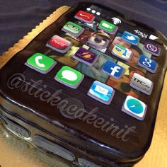 iPhone Cake by: Stick a Cake In It