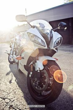 #MOTORCYCLE #SUPERSPORTLER #WHITE #YAMAHA