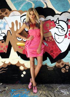 graffiti / fashion pose